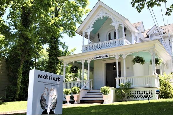 Matriark Hamptons